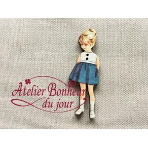 Bouton bois vintage rétro fillette jupe bleue H 4.5cm atelier bonheur jour