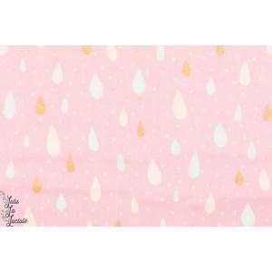 Pluie Colorée sur fond rose