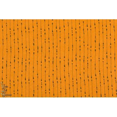 Tissu coton bio jersey laine Wooljersey Mysig Tid Strimming trait marron sur fond caramel par SUSAlabim pou Lillestoff. Parfait