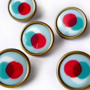 Bouton TRIOBRIO bouton mcb madame casse bonbon rétro vintage résine