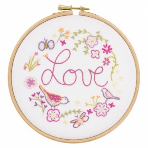 Love love Love : kit à broder